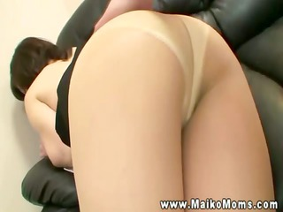 eastern girl sits and rubs her bottom on dick
