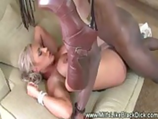 colorless woman deeply pussyfucked by ebony libido