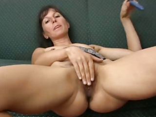 haily mature calmen like with plastic cock