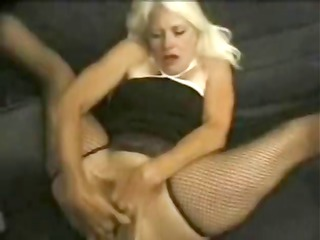 desperate blonde old cathy jones eats his shaggy