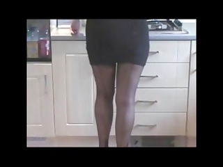 videos of these hot matures and woman posing and