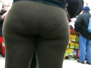 candid black spandex bubbled out slut donk of