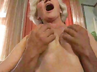 mature old puts libido in her mouth
