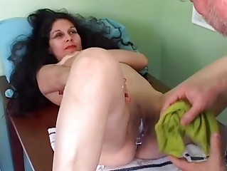 beautiful mature latino obtains her pussy shaved