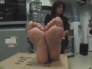 ff24 grown-up puertorican feet