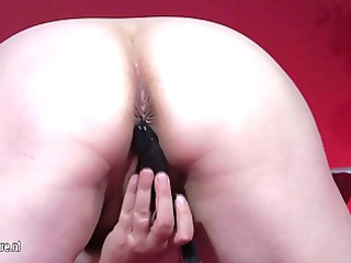 inexperienced old playing with herself on her