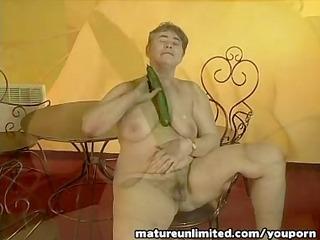 grannys cucumber hour