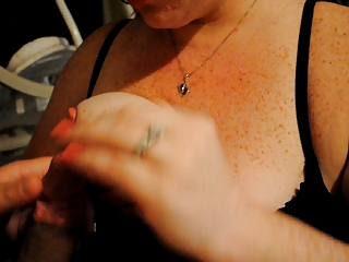 housewife gives bj and tittyfuck