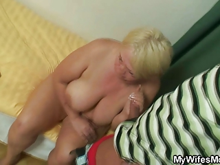 she catches her man and mom drilling together