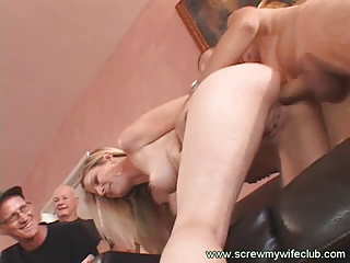 pretty and awesome housewife screwed with a large
